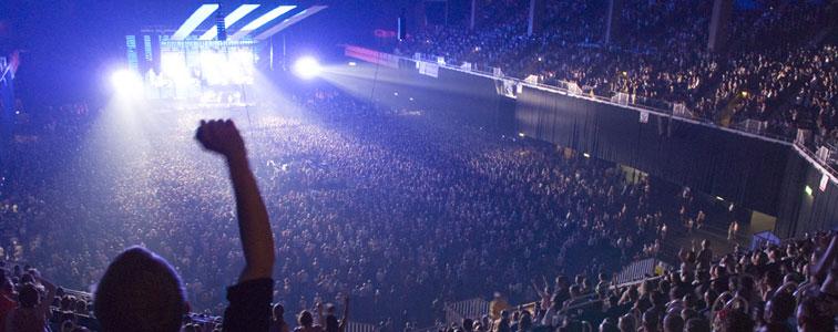 افکت صدای محیطی تشویق مردم در سالن کنسرت